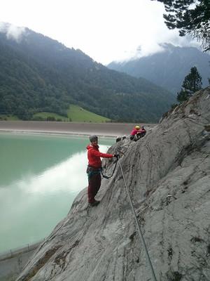 Im Klettersteig Latschau